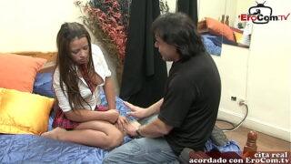 colegiala azteca porno le da el culo al vecino del restaurante